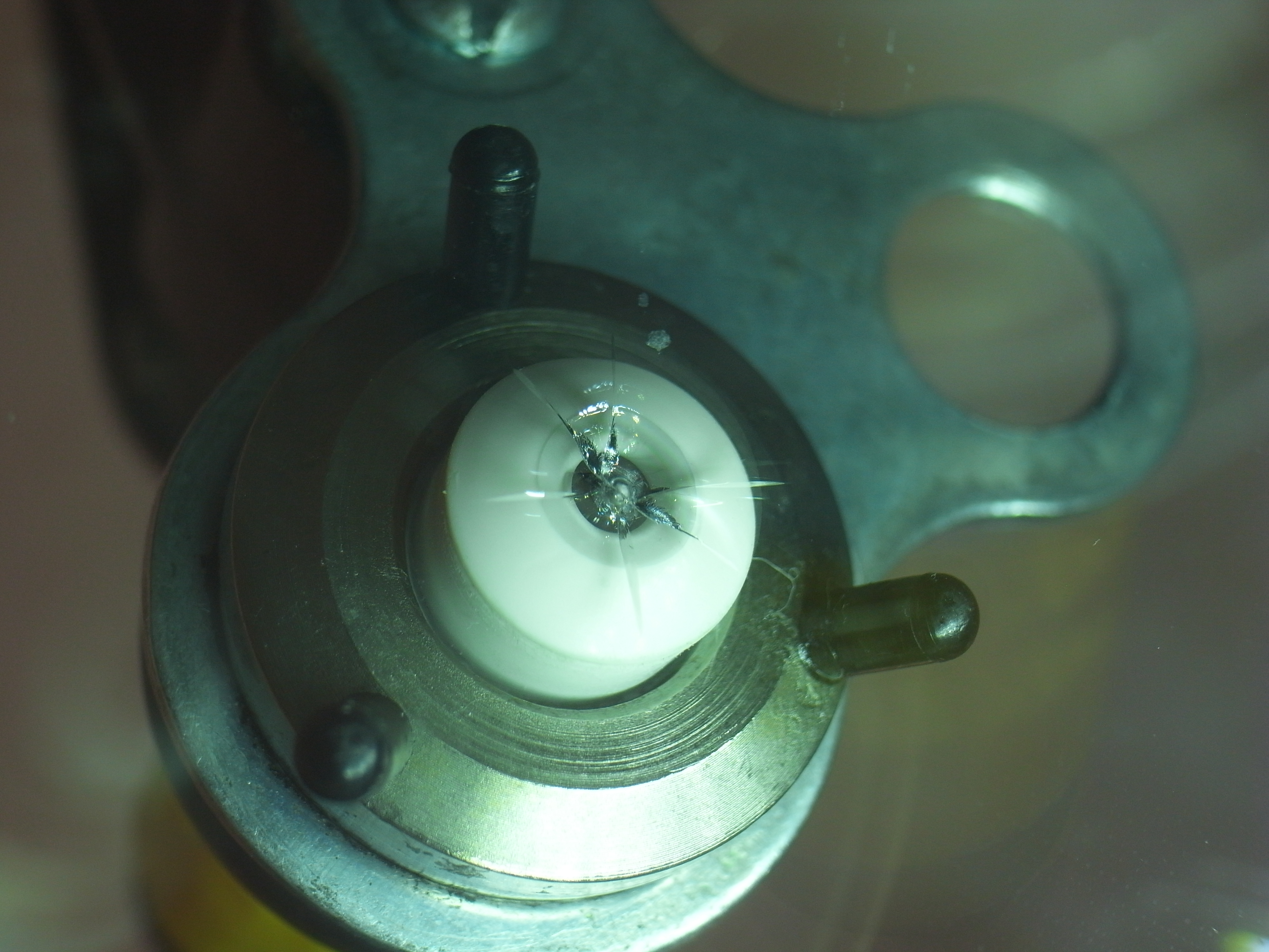 アウディA4 フロントガラス補修