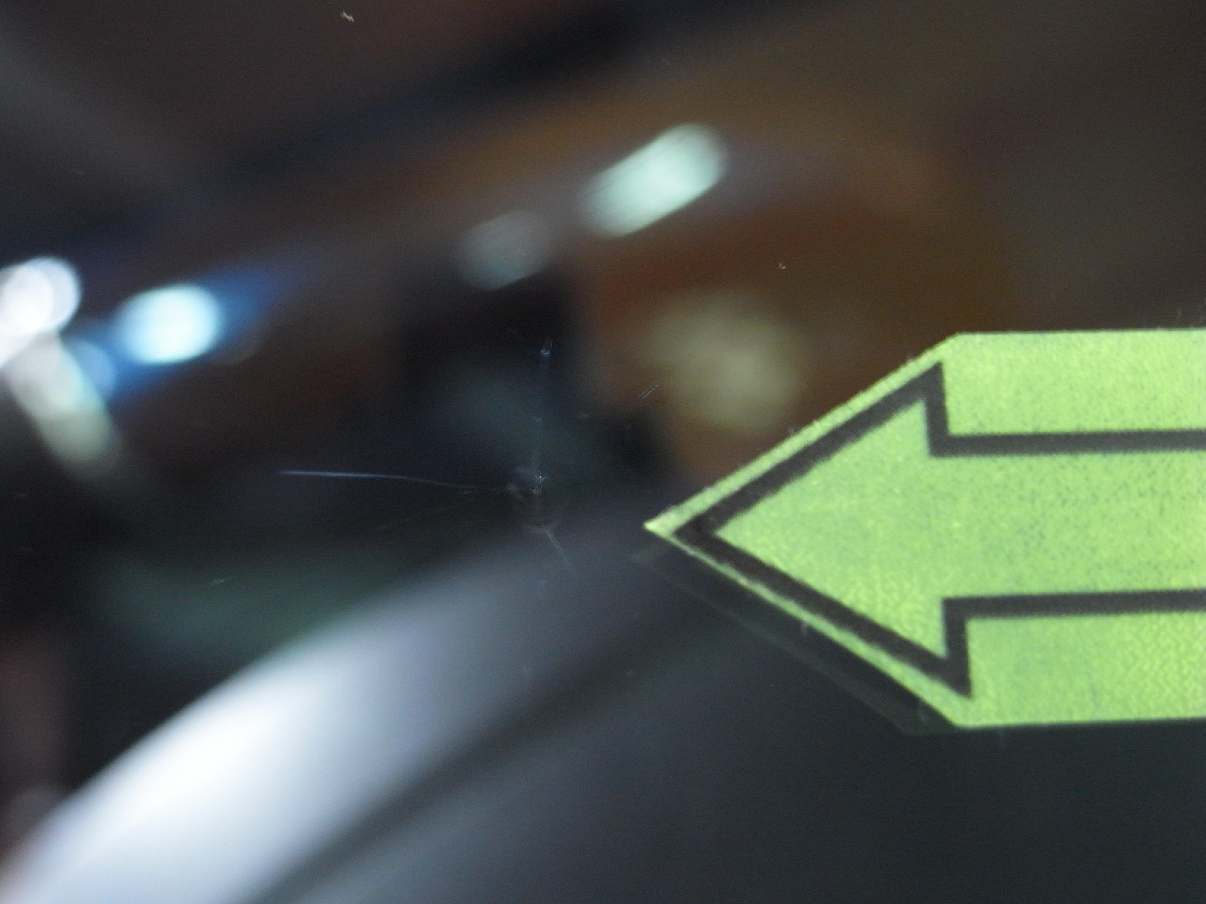 自動車 日産キックス フロントガラス修理