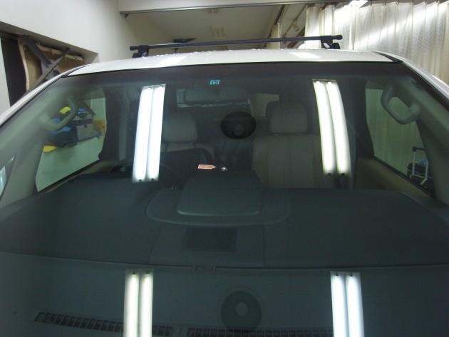 三菱デリカD:5 フロントガラス修理