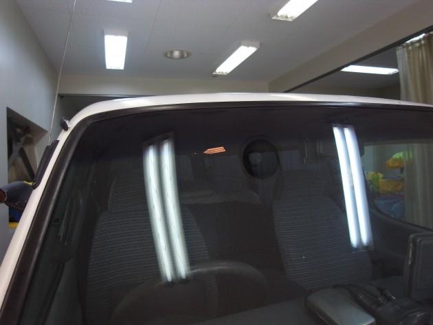 トヨタハイエース フロントガラス修理