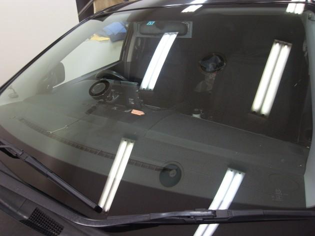 マツダMPV フロントガラス修理