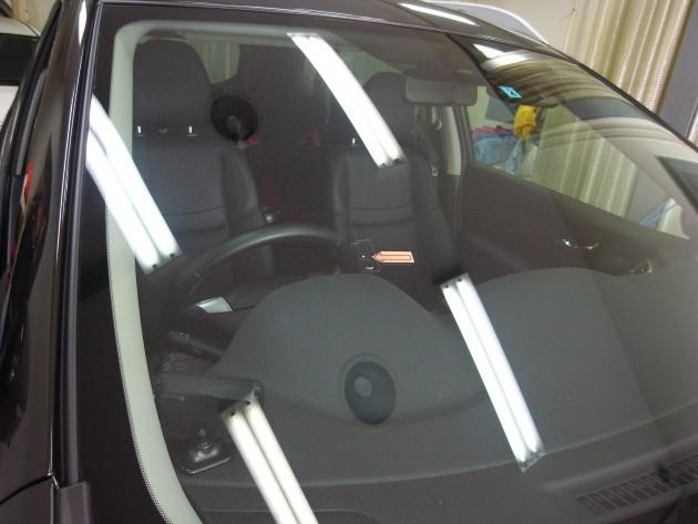 日産Xトレイル フロントガラス修理