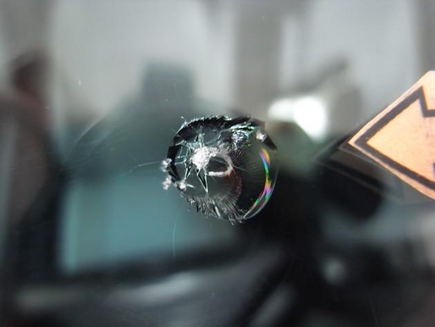 車 フロントガラス修理