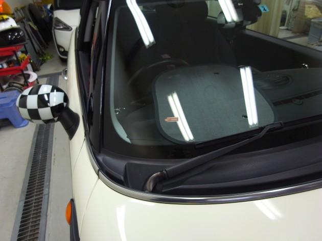 BMWミニ フロントガラスリペア