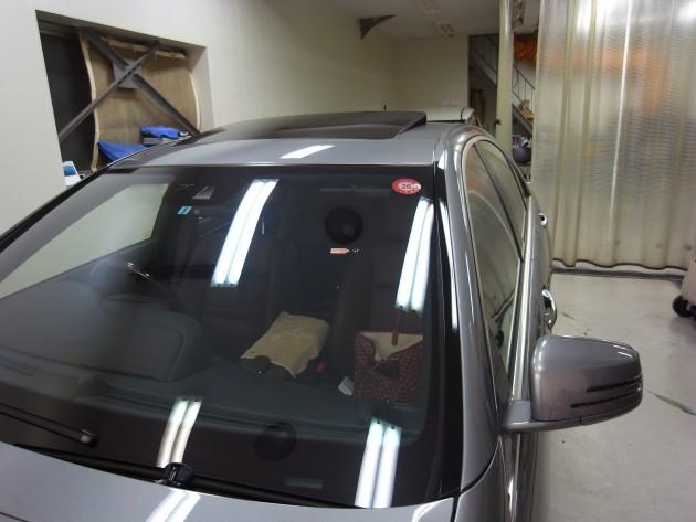 メルセデスベンツS550 フロントガラス修理