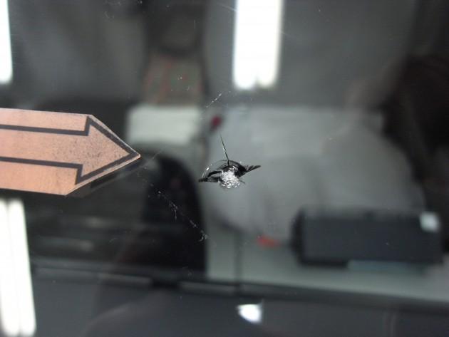 トヨタプリウス フロントガラス修理