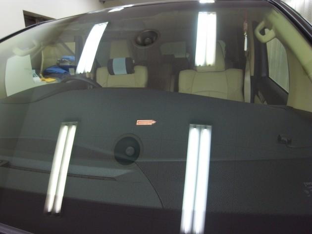 自働車 ガラス補修