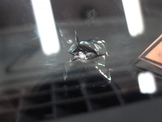 アルファロメオ フロントガラス修理