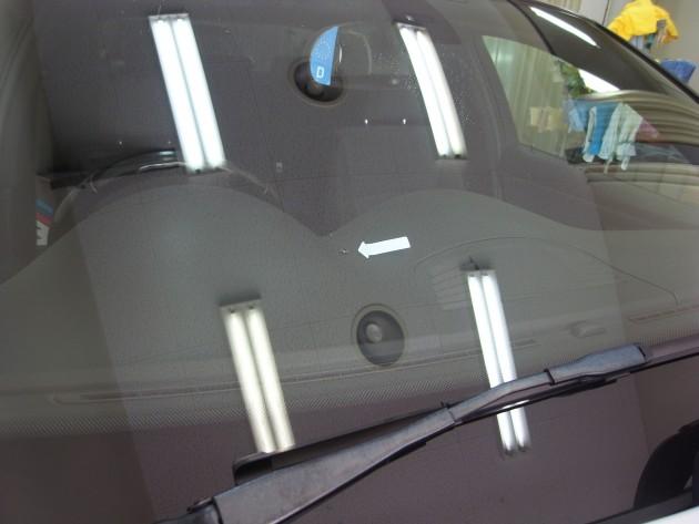 車 フロントガラス飛び石傷 ウインドリペア