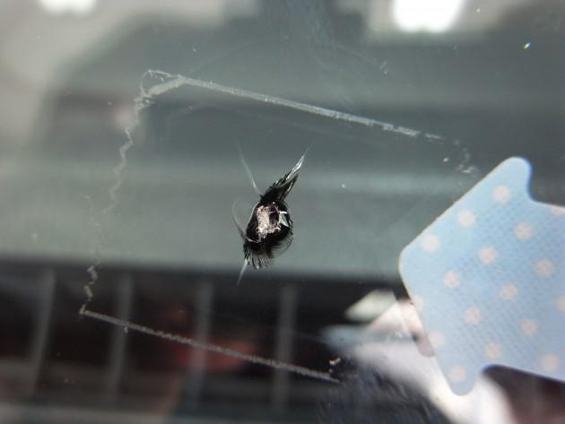 自動車ガラス 傷 修理