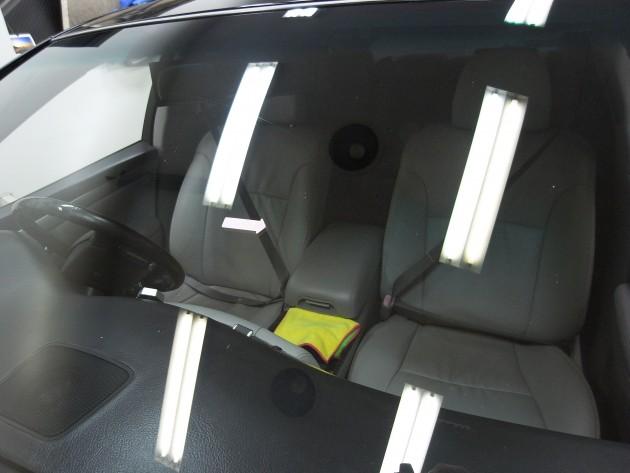 車 ガラス リペア