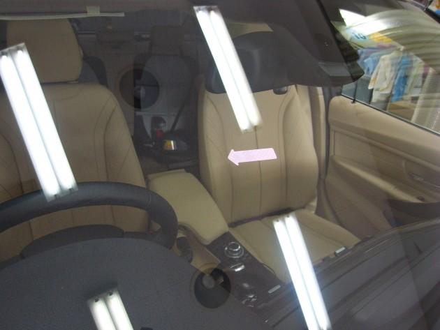 BMWアクティブハイブリッド3 フロントガラスリペア