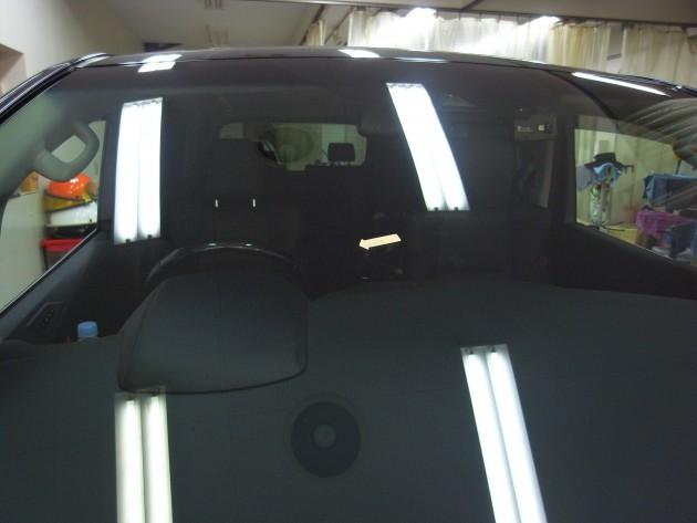 トヨタヴェルファイア 飛び石 フロントガラス補修