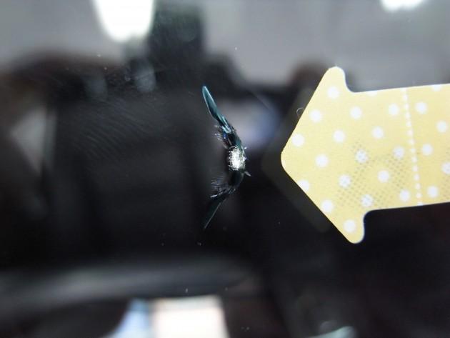自動車ガラス 飛び石 修理
