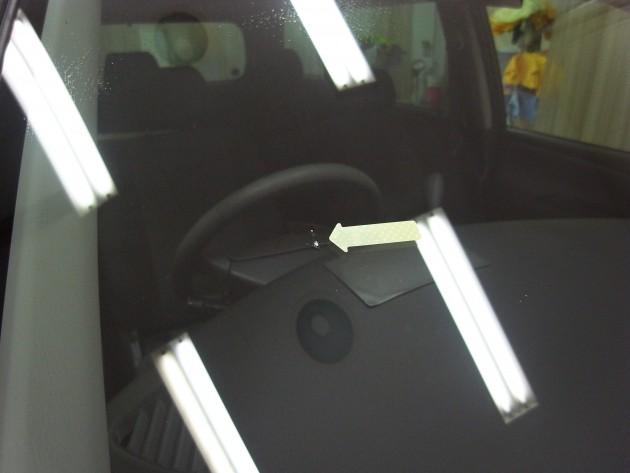 MPV フロントガラス修理