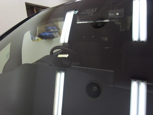車 フロントガラス リペア