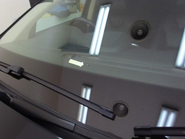 ボルボXC60 フロントガラス修理