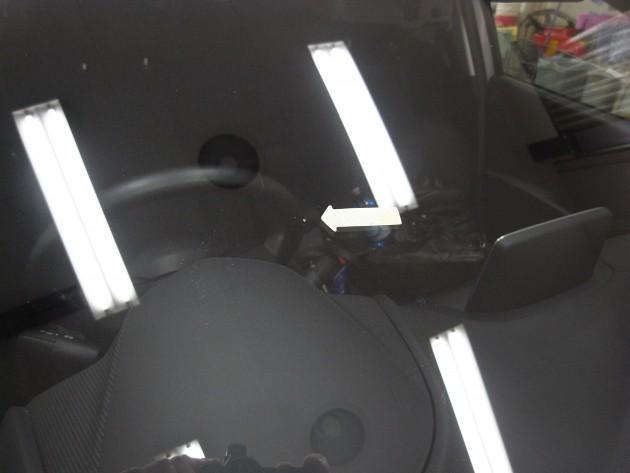 車 ガラス傷 リペア