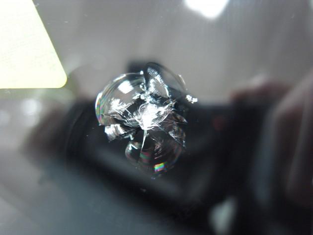 フロント ガラス 飛び石