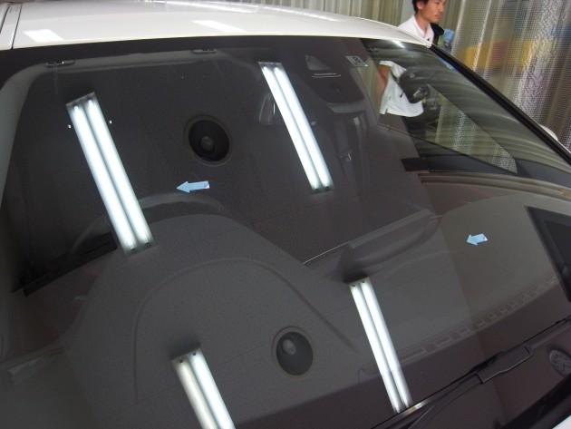車 ガラス 補修